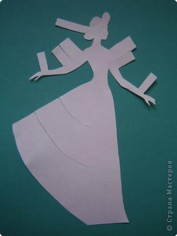 """Идея создания  такого исторического костюма в технике  бумагопластика   принадлежит моей коллеге Гончаровой А.К. Я предлагаю вашему вниманию мои методические разработки  к урокам изобразительного искусства по теме : """"Человек, декор, общество, время."""" фото 14"""