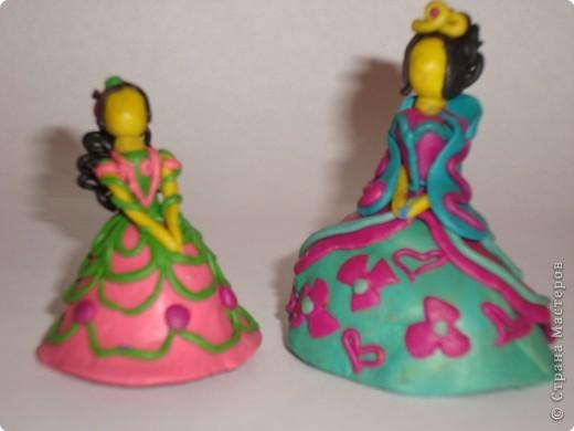 Мои дочки, Катя 12 лет и Даша 10 лет,  по мотивам сказок и мультфильмов налепили таких вот малюсеньких кукляшек фото 2
