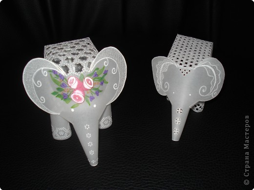 По просьбе участников сайта МК слоник .Хотела показать сокращенно как делать слоника, да так увлеклась что у моего слоненка появилась мама. фото 1