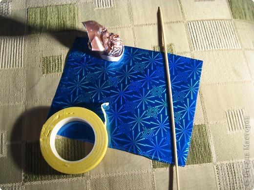 Я хочу рассказать вам как делать некоторые цветы из конфет. фото 2