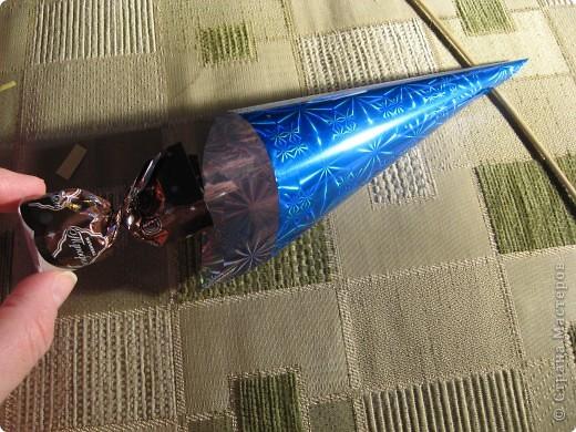 Мастер-класс Свит-дизайн Моделирование конструирование Цветы из конфет МК Бумага гофрированная фото 3