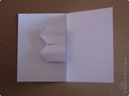 Как сделать открытку с объёмным цветком, даже с самым маленьким фото 13