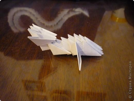Китайский дракон:  Всего использовано 811 треугольных модулей размером примерно 37×53 мм. Это примерно около 26 листов формата А4. фото 28