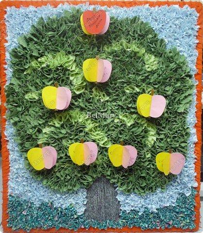 Генеалогическое дерево для племянницы (задали в детсаде). Размер - 50 см * 45 см Спасибо Ликме за идею. фото 1