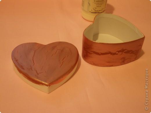 Вот такую коробочку захотелось сделать ко дню влюблённых. Расскажу как делала. Возможно кому-то, что-то, да и понадобится. фото 29