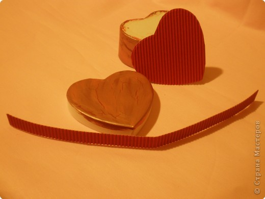 Вот такую коробочку захотелось сделать ко дню влюблённых. Расскажу как делала. Возможно кому-то, что-то, да и понадобится. фото 32