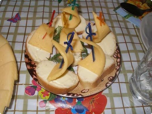 Сделала вот такой вот тортик из конфет на день рождения Никиты по МК Гайдаенко Елены. Спасибо за идею! Дети были в восторге! фото 5