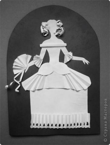 """Идея создания  такого исторического костюма в технике  бумагопластика   принадлежит моей коллеге Гончаровой А.К. Я предлагаю вашему вниманию мои методические разработки  к урокам изобразительного искусства по теме : """"Человек, декор, общество, время."""" фото 16"""