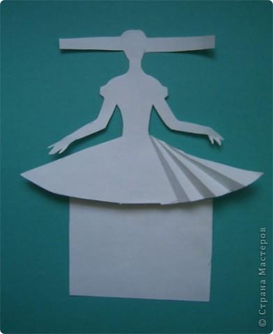 """Идея создания  такого исторического костюма в технике  бумагопластика   принадлежит моей коллеге Гончаровой А.К. Я предлагаю вашему вниманию мои методические разработки  к урокам изобразительного искусства по теме : """"Человек, декор, общество, время."""" фото 4"""