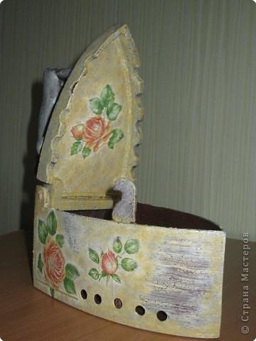 утюжок мы нашли на чердаке бабушкиного дома и вот что я с ним сделала. Теперь он будет жить у нас на даче. фото 2