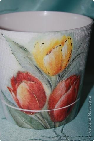 Ну вот и позади 23 февраля , а это значит , что скоро 8МАРТА. Пора подумать о подарочках для нас милых дам.))) Я решила подарить цветы на цветочных горшках. фото 1