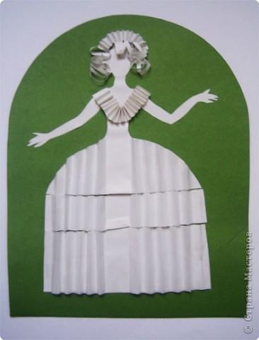 """Идея создания  такого исторического костюма в технике  бумагопластика   принадлежит моей коллеге Гончаровой А.К. Я предлагаю вашему вниманию мои методические разработки  к урокам изобразительного искусства по теме : """"Человек, декор, общество, время."""" фото 6"""