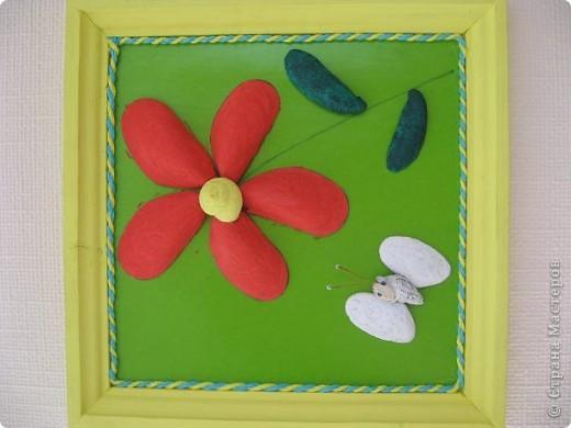 Работа Ермоловой Алёны (8 лет). Ракушки прклеены на клей ПВА, покрыты гуашью с клеем.