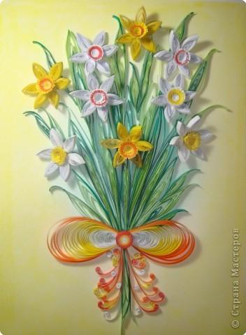 Картина панно рисунок 8 марта День матери День рождения День учителя Квиллинг Букет из нарциссов Бумажные полосы Пастель фото 7
