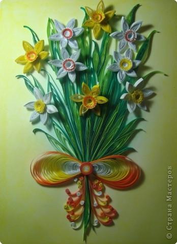 Картина панно рисунок 8 марта День матери День рождения День учителя Квиллинг Букет из нарциссов Бумажные полосы Пастель фото 1