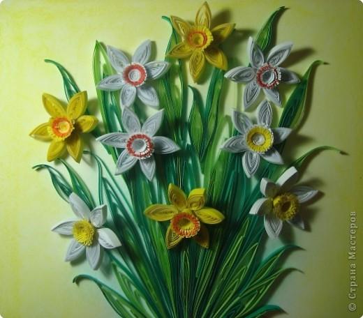 Картина панно рисунок 8 марта День матери День рождения День учителя Квиллинг Букет из нарциссов Бумажные полосы Пастель фото 5