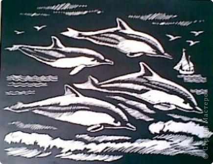 """Вот таких дельфинов я нашла в наборе """"Гравюра"""" в  магазине. Всегда мечтала, чтобы дома появилась картина с дельфинами.  Вот моя мечта и сбылась."""