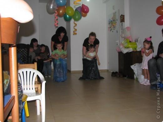 мой день рождение,дети все остались довольными и все с подарками,в конце каждой игры были призы фото 11