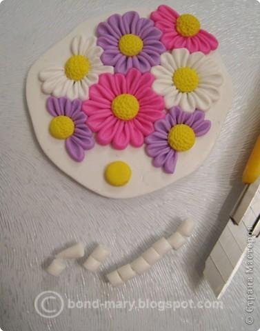 Дорогие мастера и мастерицы! Что-то захотелось мне лета, летних красок. И я сотворила кулон с летними цветочками из полимерной глины. фото 5