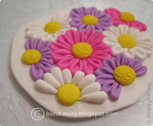 Дорогие мастера и мастерицы! Что-то захотелось мне лета, летних красок. И я сотворила кулон с летними цветочками из полимерной глины. фото 8