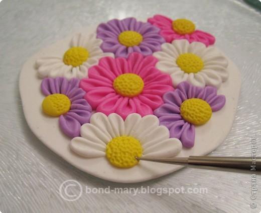 Дорогие мастера и мастерицы! Что-то захотелось мне лета, летних красок. И я сотворила кулон с летними цветочками из полимерной глины. фото 11