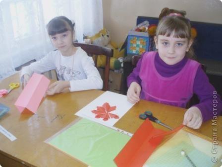 7 марта я проводила VII городскую олимпиаду по оригами среди учащихся школ города Енисейска. Первый тур был заочный. Был запущен треугольный модуль. Нужно было в технике китайского модульного оригами сложить любую модель. И вот, что дети сотворили. фото 17