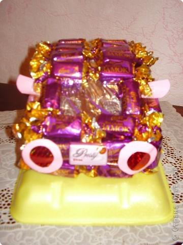 Машина из конфет.....