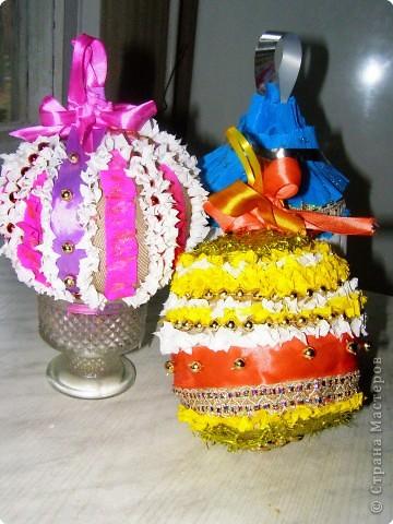 новогодние шарики  (гофрированная бумага, бисер, тесьма, синтепон) фото 1
