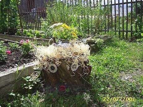 Если разбросать по саду вот такие прибамбасики. то работа спорится веселее. фото 3