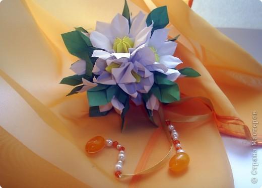 Эта кусудама из книги Hana no kusudama. Очень она мне приглянулась, напомнила о весне, о тепле.Вот и решила я сделаь для себя подарочек к 8 марта в виде такого весеннего букетика))) фото 9