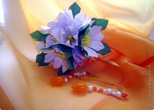 Эта кусудама из книги Hana no kusudama. Очень она мне приглянулась, напомнила о весне, о тепле.Вот и решила я сделаь для себя подарочек к 8 марта в виде такого весеннего букетика))) фото 10