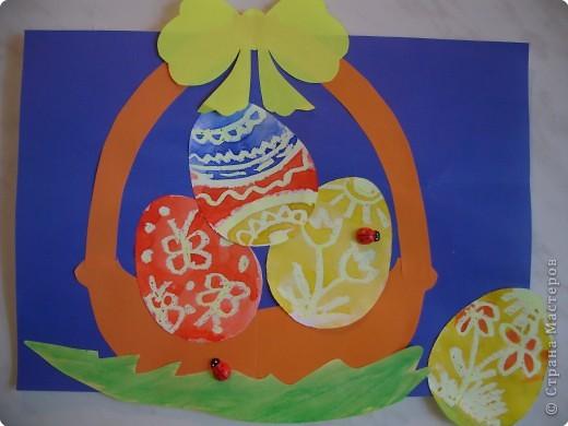 """И мы стали к Пасхе готовиться. Сделали вместе с мамой вот такие картинки. Рисовали и """"клеили - приколачивали"""" вместе по методу """"Елена - Кира"""". фото 4"""