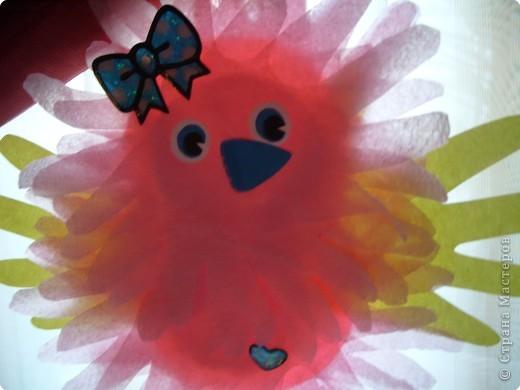 """Эти разноцветные цыплята сделаны  в буквальном смысле моими ручками, потому что мама их смастерила из моих """"ладошек""""... фото 3"""
