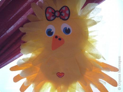 """Эти разноцветные цыплята сделаны  в буквальном смысле моими ручками, потому что мама их смастерила из моих """"ладошек""""... фото 11"""