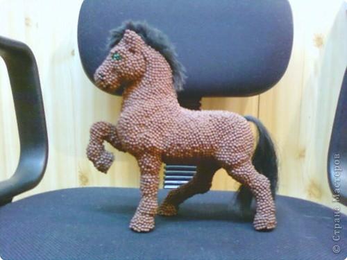 Лошадь Пржевальского из головок спичек фото 1