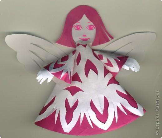 Поделка из цветной бумаги ангел