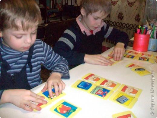 Наши органы чувств – наши помощники. Но знают ли наши дети о них? Однажды мне принесли стопку карточек. Без названия игры. Поэтому автор мне не известен. Но Вы самостоятельно можете приготовить подобную игру. Карточки двух видов – предметы и органы чувств человека.  фото 19