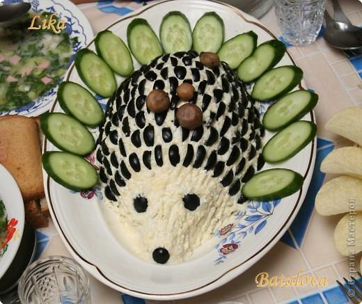 """Моим детям очень нравятся салатики, которые сделаны """"не так, как у всех"""", поэтому стараюсь всегда найти что-нибудь необычное. Салат очень вкусный и сытный. Этого делала на день рождения. фото 1"""