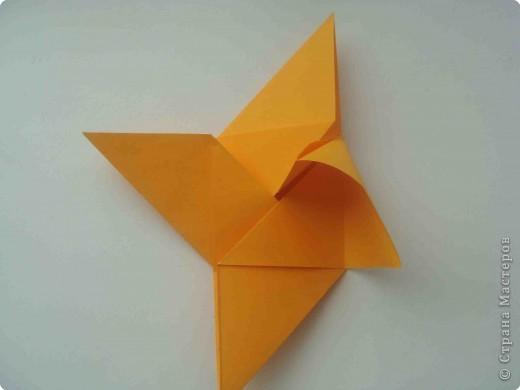 """Такую коробочку или кошелек с секретом я умела делать давно, но забыла. Благодаря энциклопедии """"Оригами"""" (автор Рик Бич), вспомнила.  Вот так выглядят готовые изделия. В чем секрет? Сначала сделаем кошелечек. фото 18"""
