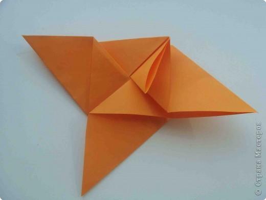 """Такую коробочку или кошелек с секретом я умела делать давно, но забыла. Благодаря энциклопедии """"Оригами"""" (автор Рик Бич), вспомнила.  Вот так выглядят готовые изделия. В чем секрет? Сначала сделаем кошелечек. фото 19"""