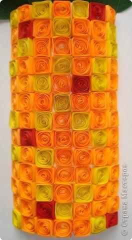 Картина панно рисунок Квиллинг Цинии в вазе Бумага гофрированная Бумажные полосы Проволока фото 3