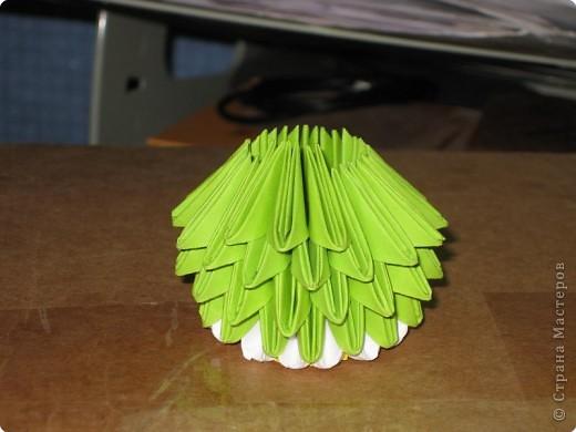 Для того, чтобы сделать такой лимон, нам понадобится следующее: 16 жёлтых треугольников, 16 белых и 64 зелёных. Ну и естественно, желание. фото 19