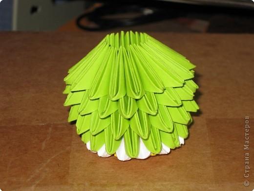 Для того, чтобы сделать такой лимон, нам понадобится следующее: 16 жёлтых треугольников, 16 белых и 64 зелёных. Ну и естественно, желание. фото 20
