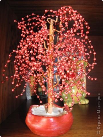 дерево из бисера.