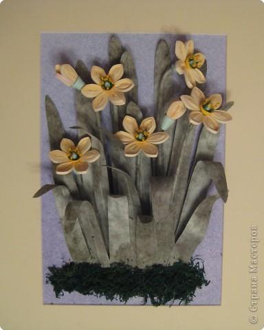 Это последняя из больших работ на курсах. Работа Большие нарциссы в рамке, купленной в http://www.ramkiquilling.blogspot.com/ фото 2