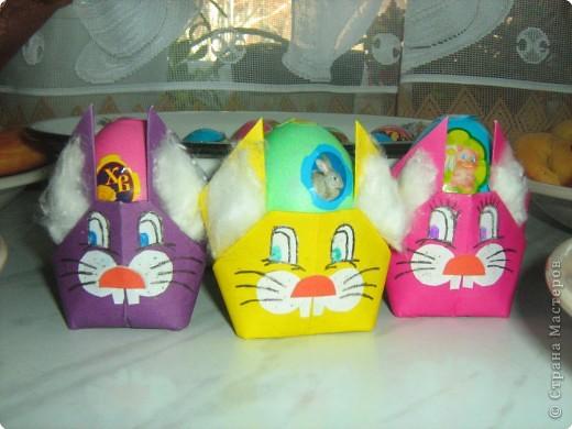 Пасхальные зайчики-подставка для яиц