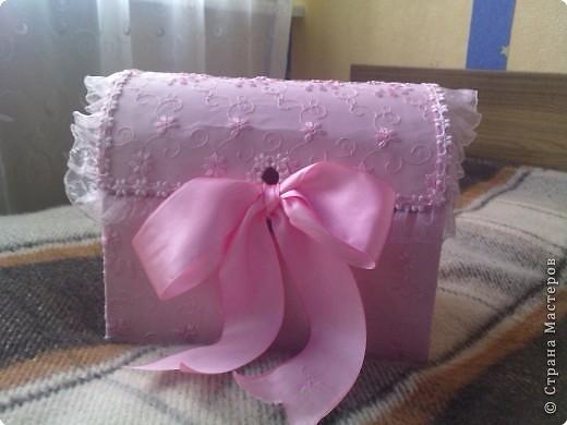нужно: 2 ватмана форматом А1, офисная белая и розовая бумага, клей ПВА и карандаш, ножницы, циркуль. фото 16