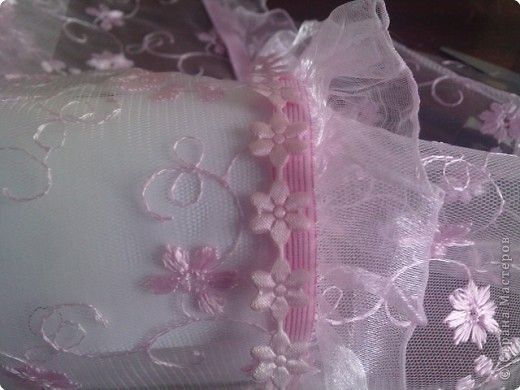 нужно: 2 ватмана форматом А1, офисная белая и розовая бумага, клей ПВА и карандаш, ножницы, циркуль. фото 15