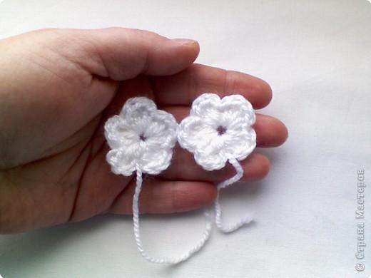 Вязание крючком цветы на пинетки