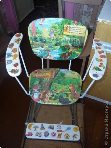 Детский стульчик. Декупаж. Моя первая работа.